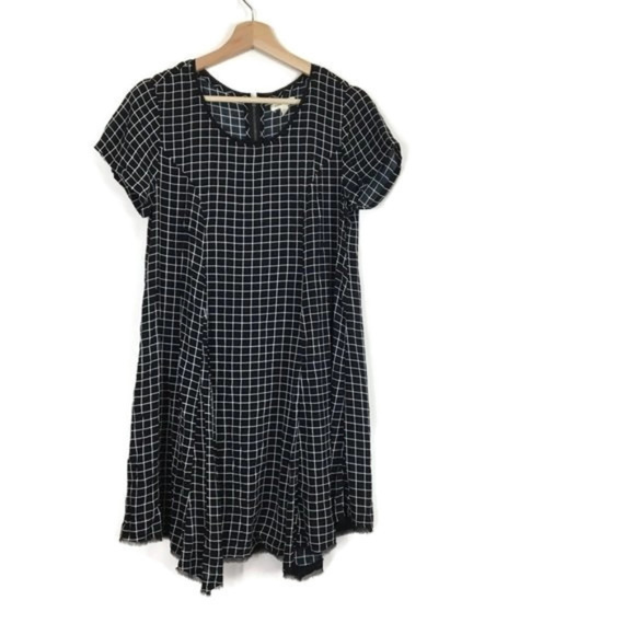 Urban Outfitters Dresses & Skirts - Silence + Noise Windowpane Plaid Swing Dress Black